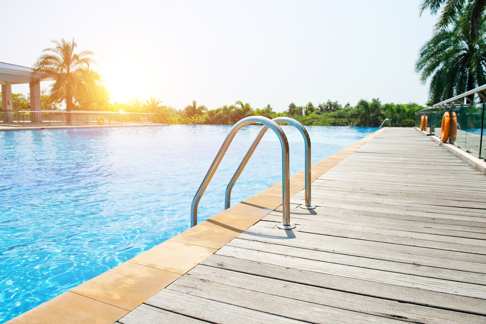 swimming pools builders